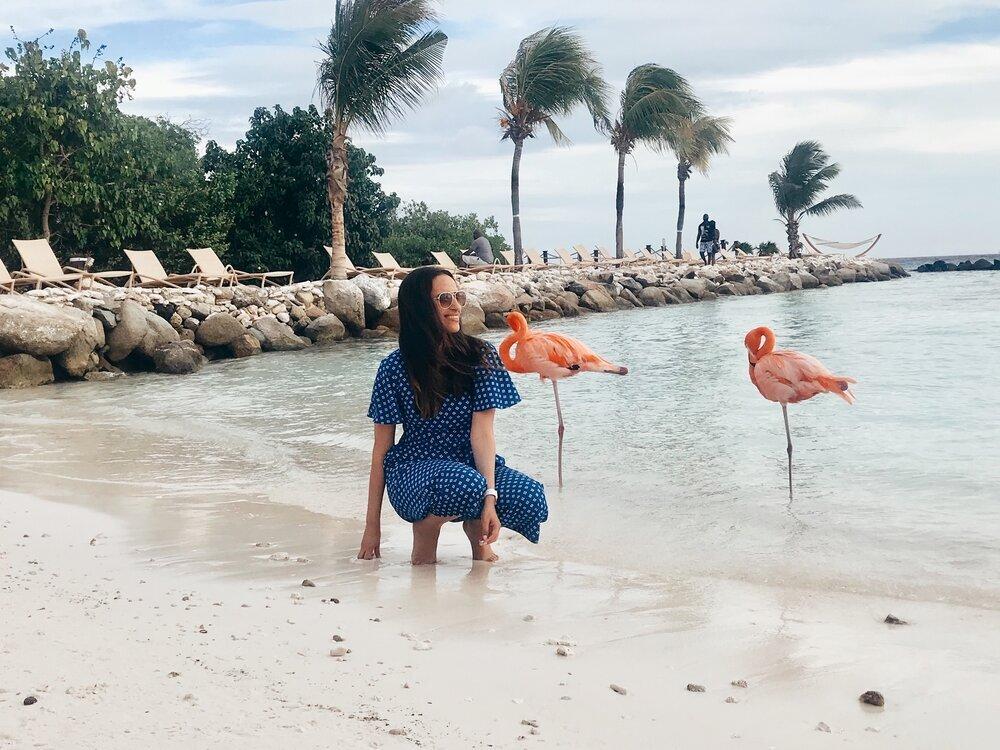 latina travel blogger aruba
